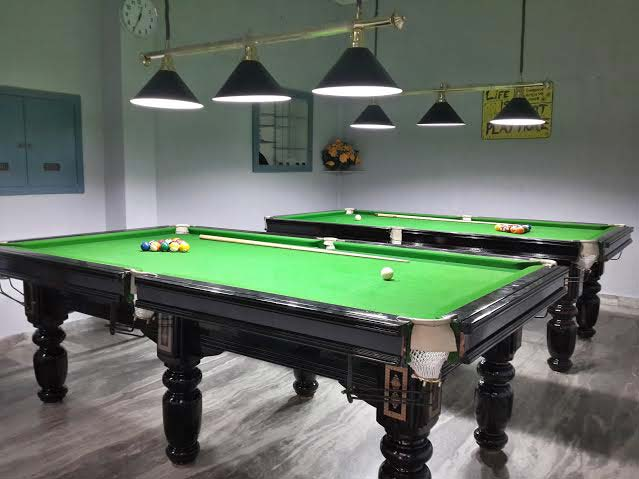 POOL TABLE SIZE 4X8 FT. (P01)