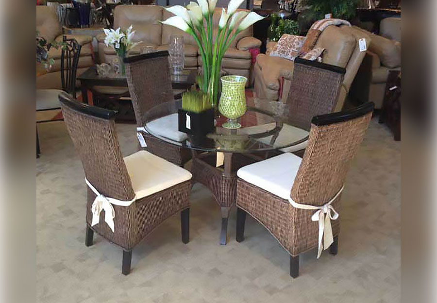 Terranova Antique Brown Wicker Round Dining Table and Four Side Chairs