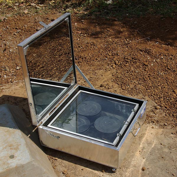 solar cooker A domestic solar-powered device for the preparation of food the principal component of a solar cooker is a concentrating solar collector most often a paraboloidal reflector, the collector focuses the sun's rays on the surface of a radiation receiver, such as a pot or a teakettle in general, the.