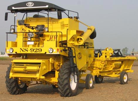 NSA-004 Combine Harvester