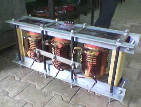 Three Phase to Single phase Transformer
