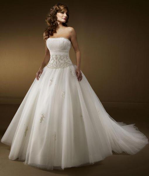Designer Wedding Gowns Manufacturer in New Delhi Delhi India by Sai ...