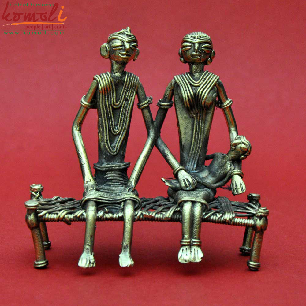 Folk Couple On Cot Sculpture (Komoli-6040-GL)
