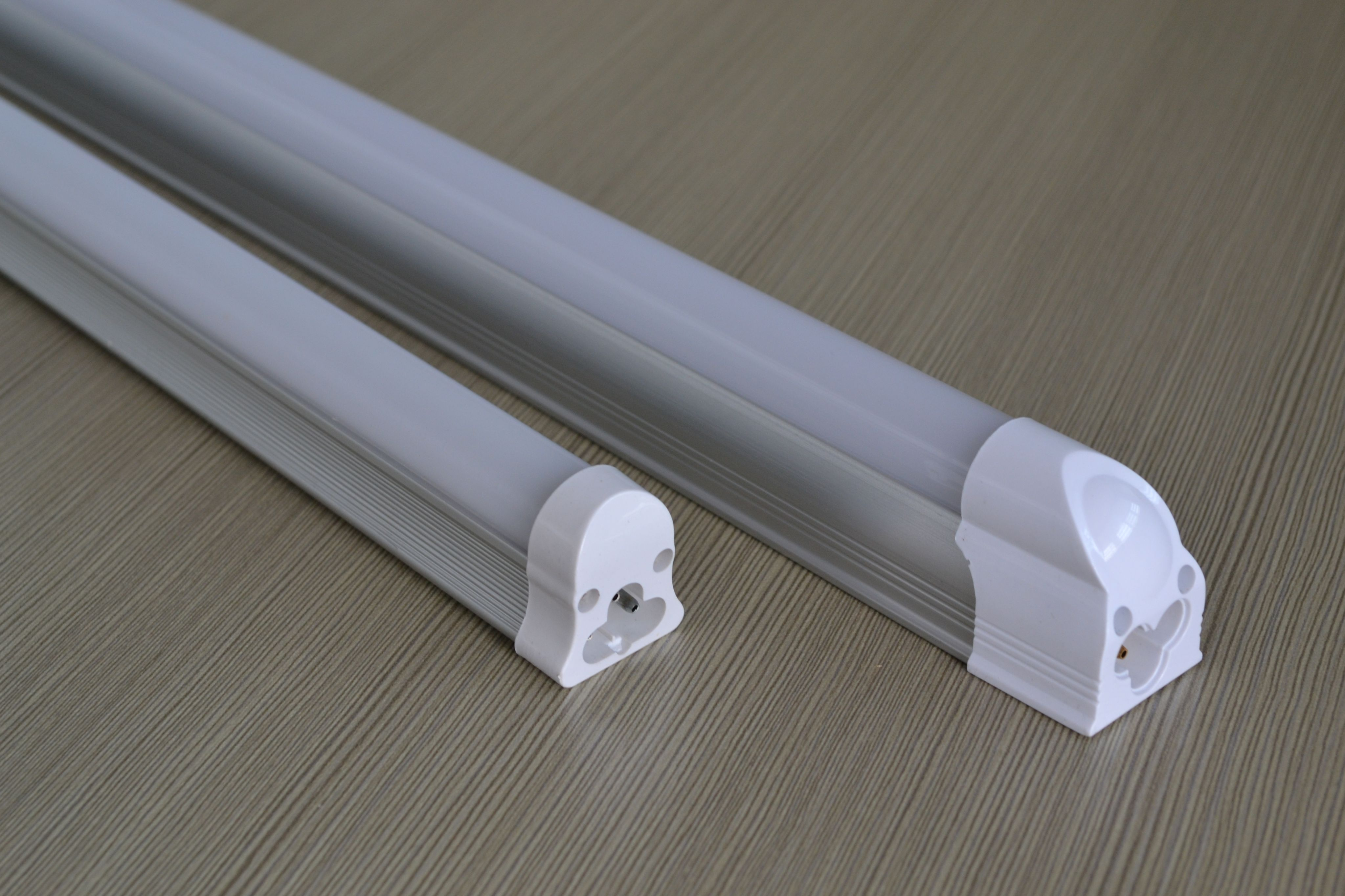 Philip led tube master ledtube em mains t8 led tubes for Hometown furniture ghaziabad