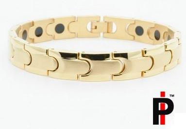 Women's Xo Gold Bracelet