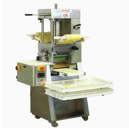 buy ravioli making machine from capitani pasta machines italy id 810381. Black Bedroom Furniture Sets. Home Design Ideas