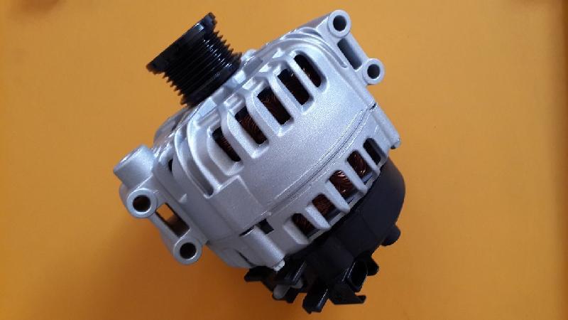 Alternator Applicable To BMW 5 (E60) car alternator
