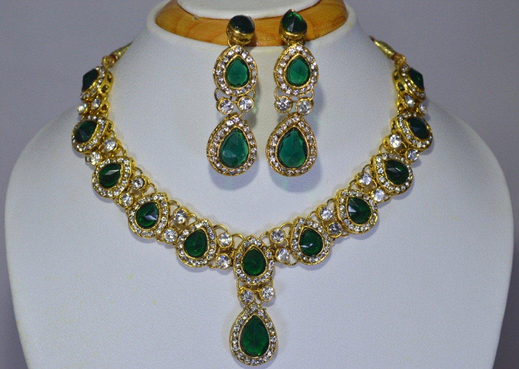 Kundan designer necklace set manufacturer in west bengal for Best place to sell jewelry online