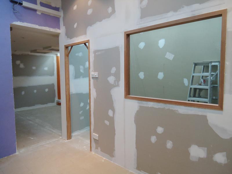 Gypsum Partitions With Glass : Gypsum board partition wall installation manufacturer