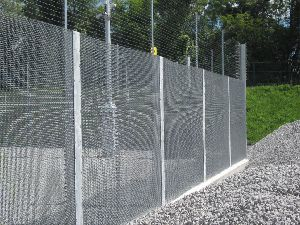 woven mesh fencing
