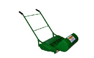 Manual Lawn Mower With Rotary Cyliner
