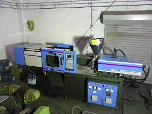 Natmek 38 S Plc Micro Processor Plastic Injection Molding Machine.