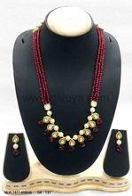 Fashionable Vilandi Kundan Necklace Set