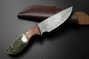 Damascus Steel Hunting Knife