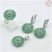 Beautiful Indian Gemstone Emerald Silver Set Jewelry