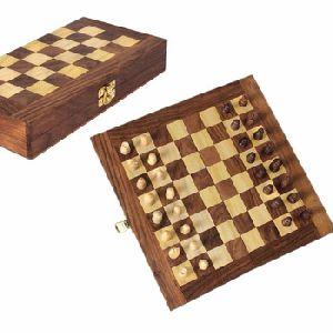 Wooden Decorative Folding Travel Chess Set With Royal Velvet Lining