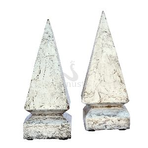 White Rustic Wood Pyramid Decorative