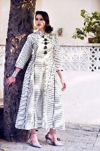 Indo Western Design Pure Cotton Fabric 3/4 Size Sleeves White Kurti Kurta Dress