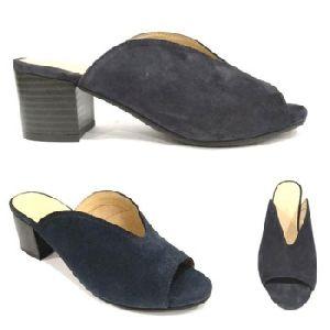 Ladies Black Leather Wooden Heel Mule Shoe