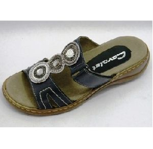 LADIES LEATHER SLIPPER ON TPR SOLE