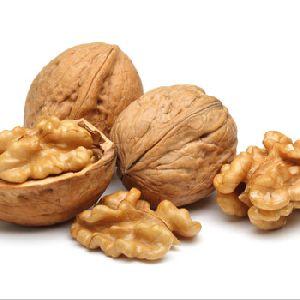 Raw Walnut Kernels, Light Halves , Whole Walnuts