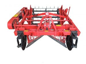 Tractor Operated Groundnut Digger