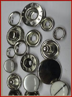 Snap Button - Manufacturers, Suppliers & Exporters in India
