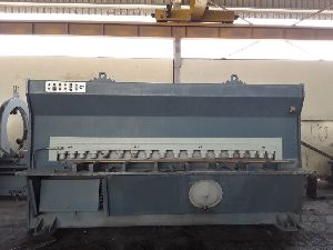 Bed Type Travelling Column Milling Machine