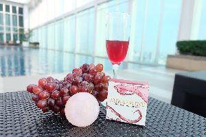 Aura Wine Rose Serum Whitening Soap