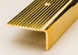 metallic grooved stair nosing profiles