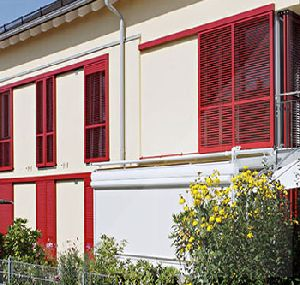 SLIDING SHUTTERS WITH MOVING SLATS