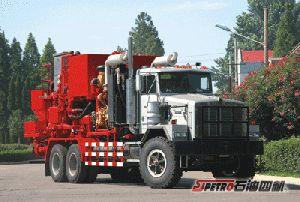 Double Pump Cementing Truck