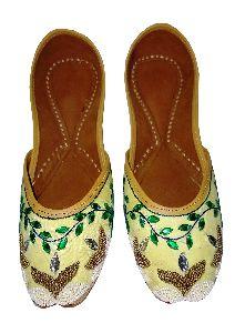 """pagarkhi"" Ocean Pearl Designer Handmade Footwear"