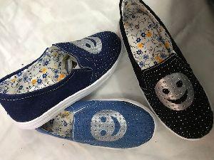 Ladies Sneaker Shoes