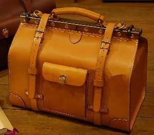 Handmade Leather Bags in Jodhpur - Manufacturers and Suppliers India 1b48054d8dfdc