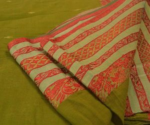 Green Colored Woven Pure Cotton Tant Sari