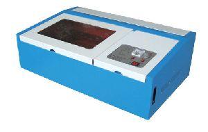 Etchon Co2 Laser Engraver And Cutter, Model: Le200