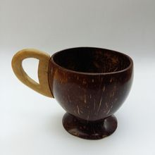 Eco-friendly Coconut Shell Tea/juice Cup - Natural Polish