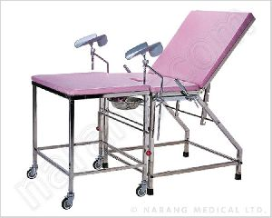 Delivery Bed, With Removable Legs Section On Castor