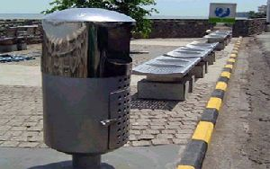 Metal Road Dustbin