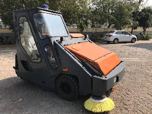 High Performance Road Cleaning Machine