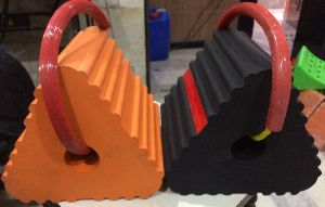 Aircraft Wheel Chock Fully Moulded Rubber-monolith Wheel Chock.