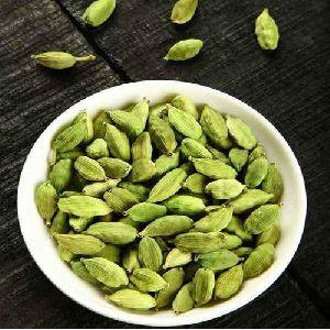 natural cardamom seeds
