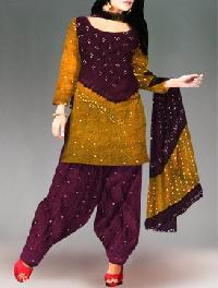 Bandhani Salwar Kameez
