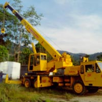 Heavy Duty Crane Rental Services