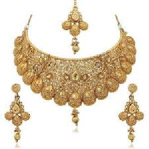 Necklace Set With Mangtika