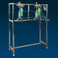 Pneumatic Petbottle Filling Machine