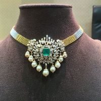 Emerald Royal Necklace With Pearl