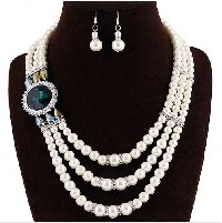 Multi-layer Royal Pearl Necklace Set