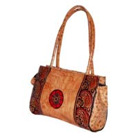 Ladies Goat Skin Leather Hand Bags Printed Colour